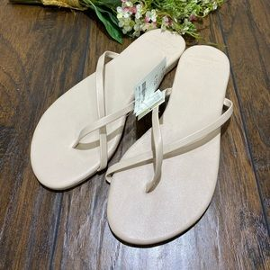 Abercrombie & Fitch Strappy Faux Leather Flip Flop
